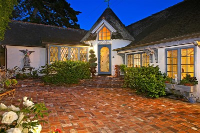 Oceanside Single Family Home For Sale: 113 Eaton St