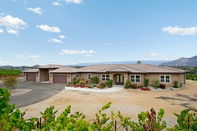 Valley Center Single Family Home For Sale: 30835 Hilltop View Court