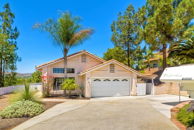 Escondido Single Family Home For Sale: 126 Neptune Place