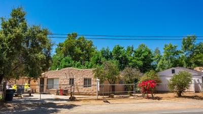 Escondido Single Family Home For Sale: 1165 Chestnut St