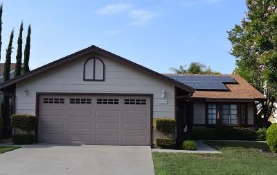 Vista Single Family Home For Sale: 989 Ashton