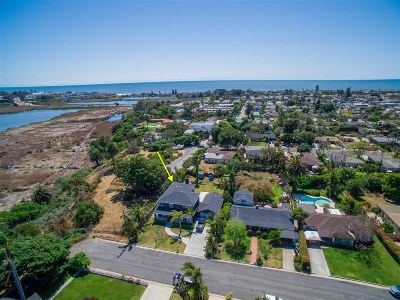 Oceanside Single Family Home For Sale: 2051 S Horne