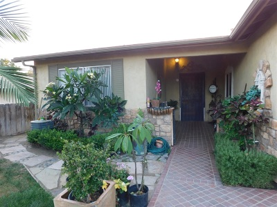 Oceanside Single Family Home For Sale: 337 Magdalena Dr.