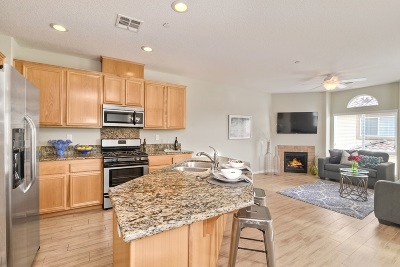 Carlsbad Townhouse For Sale: 363 Tamarack