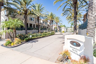 Mission Valley Townhouse For Sale: 946 Camino De La Reina #17
