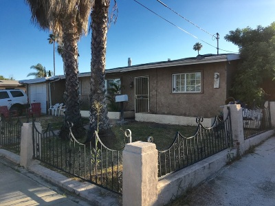 Single Family Home Contingent: 4830 Doliva