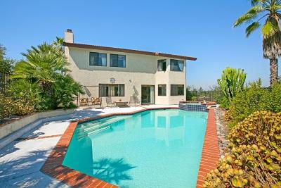 Vista Single Family Home For Sale: 230 Colina Terrace