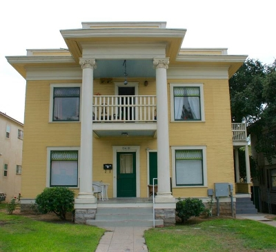 Multi Family 2-4 Pending: 2409-15 E St