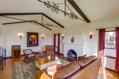 San Diego Single Family Home For Sale: 4238 Hilldale Rd