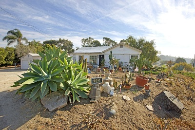 Single Family Home For Sale: 2245 Ivy Rd