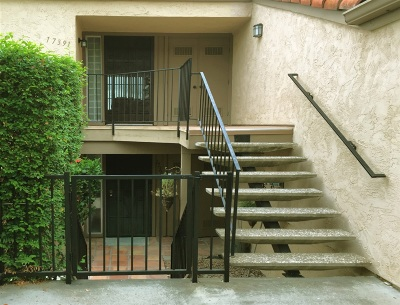 Townhouse For Sale: 17391 Plaza Dolores
