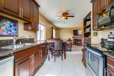 San Diego Attached Pending: 4252 35th St. #8