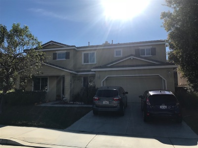 Wildomar Single Family Home For Sale: 21567 Coral Rock Ln