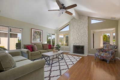 San Marcos Single Family Home For Sale: 1315 Camino Linda Dr