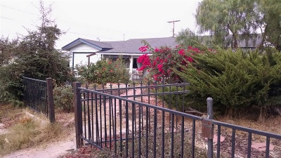 Vista Single Family Home For Sale: 727 W California Avenue