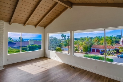 La Jolla Single Family Home For Sale: 6349 Castejon Drive