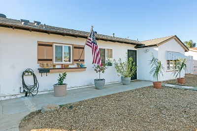 El Cajon Single Family Home For Sale: 1716 Berrydale St