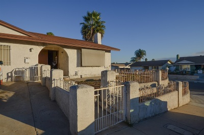 San Diego CA Single Family Home For Sale: $450,000
