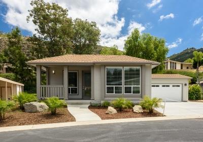 Citrus Gardens, Via Verde Estates, Lawrence Welk, Champagne Village, Rancho Escondido Mobile/Manufactured For Sale: 8975 Lawrence Welk Dr. #408