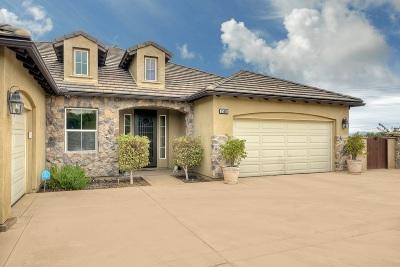 Single Family Home For Sale: 25605 Rue De Lac