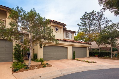 La Jolla Townhouse For Sale: 9615 Claiborne Sq