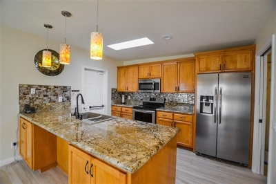 Ocean Side, Oceanside Attached For Sale: 4017 Arcadia Way