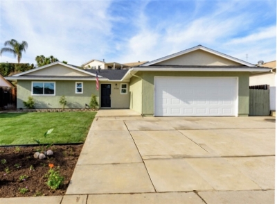 Single Family Home For Sale: 9754 Pebble Beach Dr