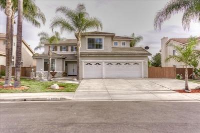 Murrieta, Temecula Single Family Home For Sale: 32055 Via Bonilla
