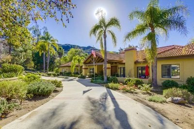 Poway Single Family Home For Sale: 15980 Crown Valley Rd