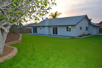 Oceanside Single Family Home For Sale: 434 Via Emily Ave