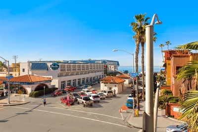 Pacific Beach, Pacific Beach Sail Bay, Pacific Beach, North Pacific Beach, Pacific Beach/Crown Point Attached For Sale: 4151 Mission Blvd #202
