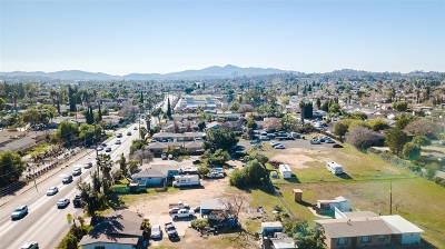 Escondido Multi Family 5+ For Sale: 1130 E Lincoln