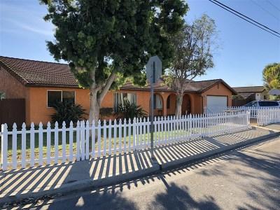 Vista Single Family Home For Sale: 1612 Watson Way