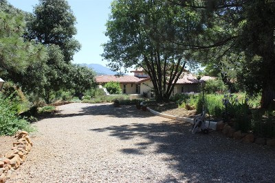 San Diego County Single Family Home For Sale: 4877 Quiet Oaks Trail