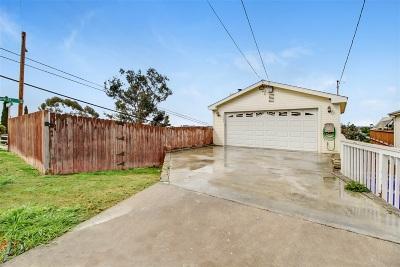 Single Family Home For Sale: 1002 Portola Avenue