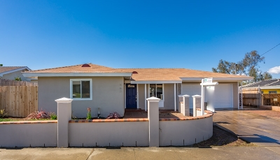 Oceanside Single Family Home For Sale: 567 Gold Dr