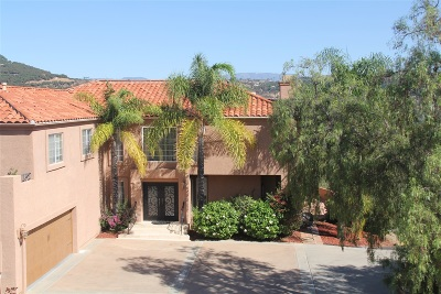 Single Family Home For Sale: 7050 Via De La Reina