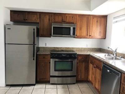 San Diego CA Attached For Sale: $575,000