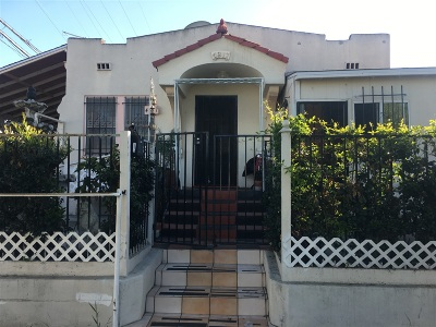 San Diego Single Family Home For Sale: 4371 Orange Ave.