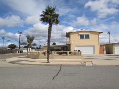 Single Family Home For Sale: 1401 East Lane