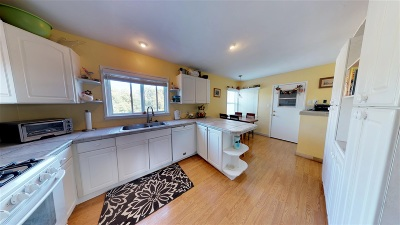 Single Family Home For Sale: 122 N Helix Ave.