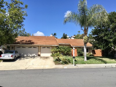 Carlsbad Single Family Home For Sale: 2814 Luciernaga St