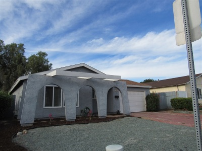 San Diego Single Family Home For Sale: 5142 Olvera Ave