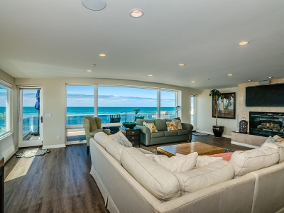 Oceanside Single Family Home For Sale: 714 S Strand