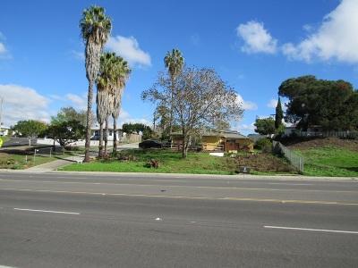 Vista Single Family Home For Sale: 320 Civic Center Dr.