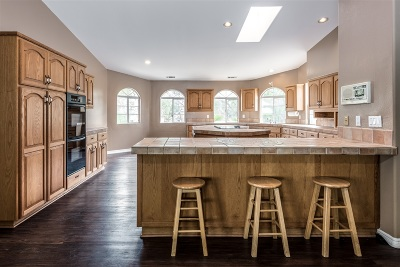 Vista Single Family Home For Sale: 763 Mason Rd