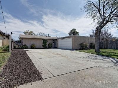Poway Single Family Home For Sale: 13111 Neddick Ave