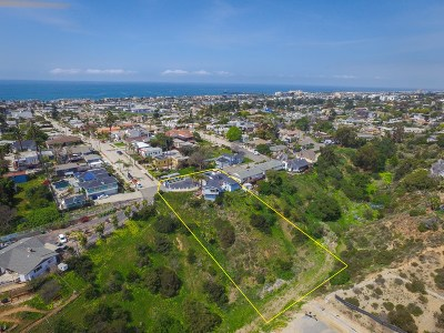 Oceanside Single Family Home For Sale: 1122 West St