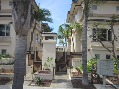 La Jolla Village Attached For Sale: 7530 Draper Ave #5