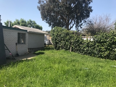 Single Family Home For Sale: 8948 Troy St